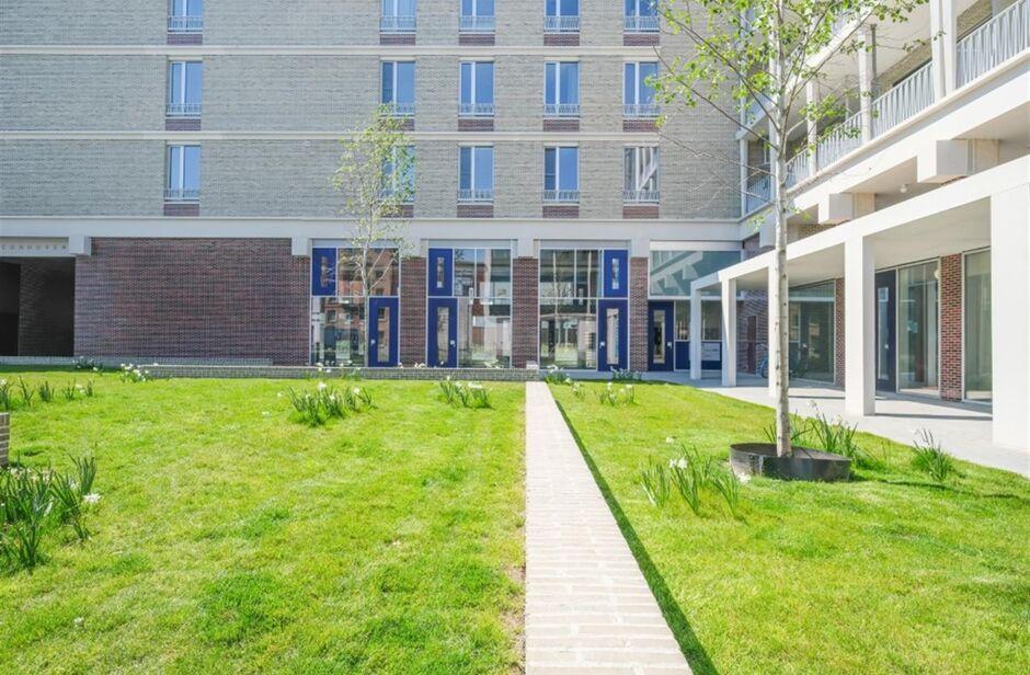 Commercieel gelijkvloers te koop in Antwerpen